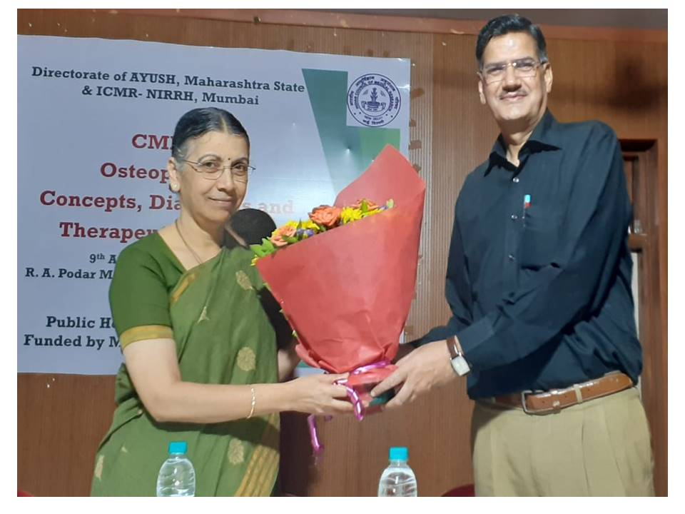 Dr. Smita Mahale, Director ICMR-NIRRH and Dr.Kuldip Raj Kohli, Directorate of AYUSH at the inauguration of CME on Osteoporosis, August 9, 2019